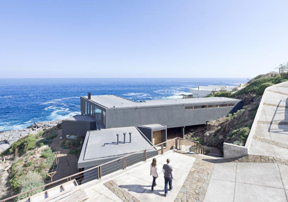 Fachada Minimalista «Casa de las Vistas» Perfección de marcos con diseño de Líneas minimalistas