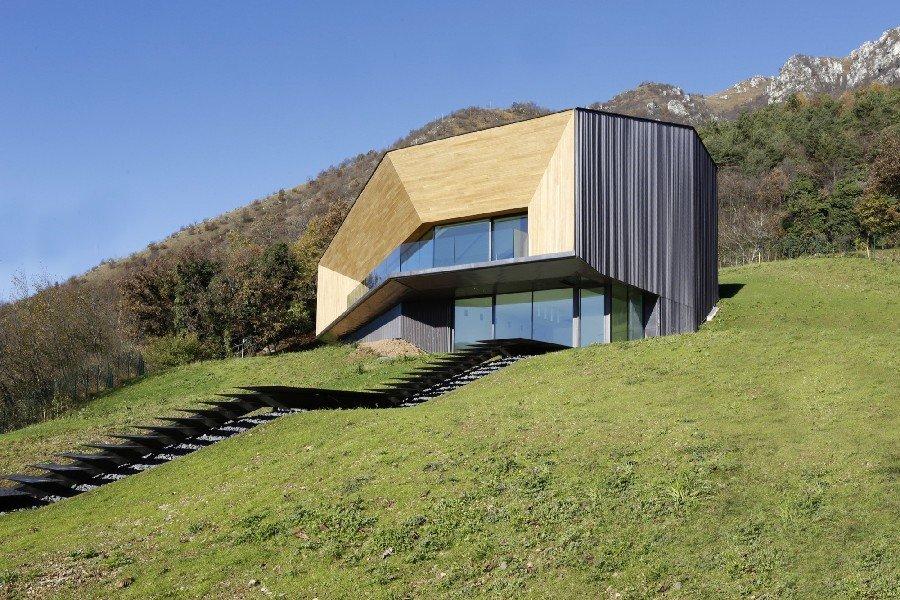 Villa minimalista en los Alpes Italianos para contemplar una amplia vista del valle