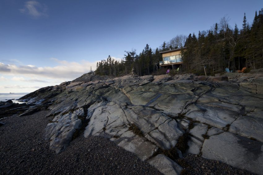 Chalet Panoramico en Quebec Con vista a un paisaje rocoso